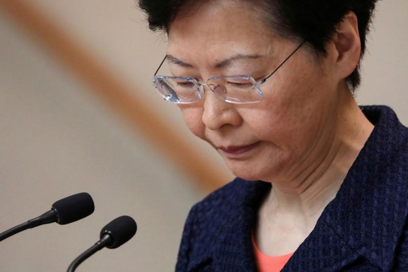 香港反送中條例相關爭議持續,香港特首林鄭月娥邀請了一班「有心人」見面,不過許多香港民眾對此不領情。(路透社)