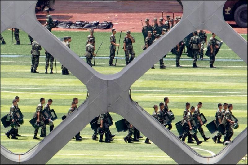 星期專論》亞洲長期和平正在崩解?