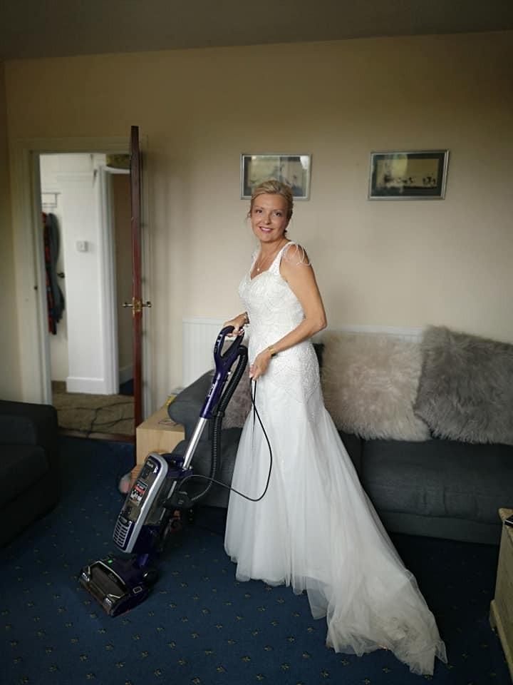 最狂新娘!天天穿婚紗過生活 誓言要把它「穿到回本」