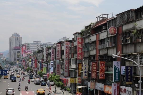 北市借鏡首爾、上海,落實老舊社區更新。(資料照,北市都更處提供)
