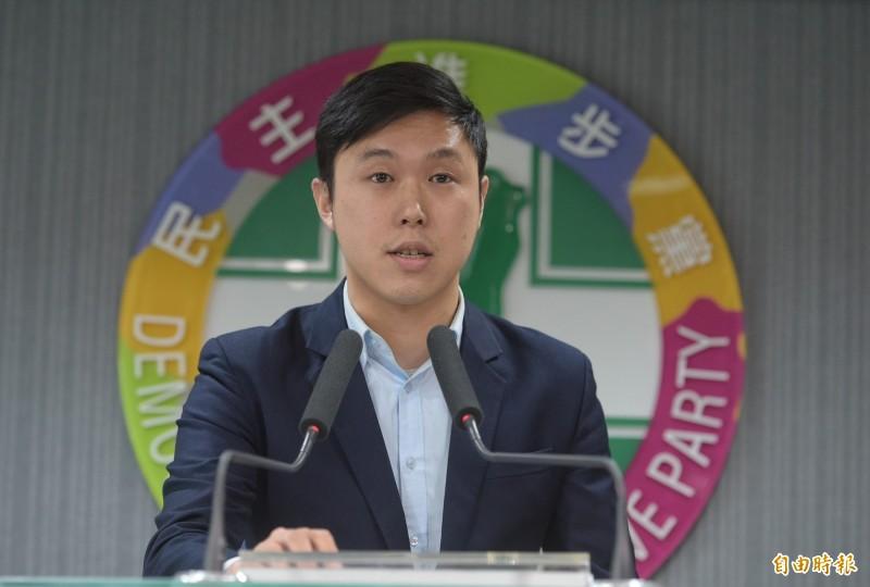 民進黨秘書長羅文嘉說,黨發言人李問(見圖)是個想法獨特的年輕人。(資料照,記者張嘉明攝)
