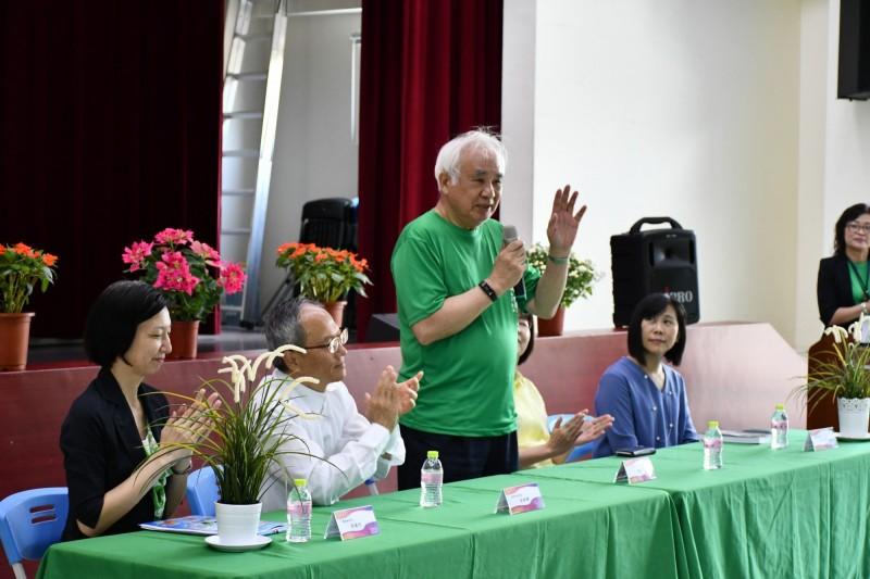 僑委會近期舉辦「海外台語教師研習班」,共有來自8國共38位海外人士返台參與台語教學培訓課程。總統府資政姚嘉文主持始業式。(僑委會提供)