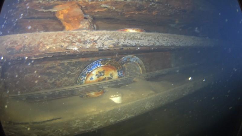 英國極地探險隊率領的「恐懼號」(HMS Terror)1845年出航後消失,船體在海底埋藏將近2世紀,仍保存良好。(法新社)