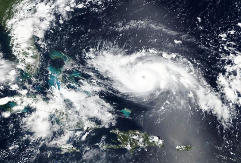 怪獸級颶風多利安(Dorian)已增強為4級颶風,可能是繼1992年的颶風安德魯之後,近30年來襲擊美國東岸的最強烈颶風。(路透)