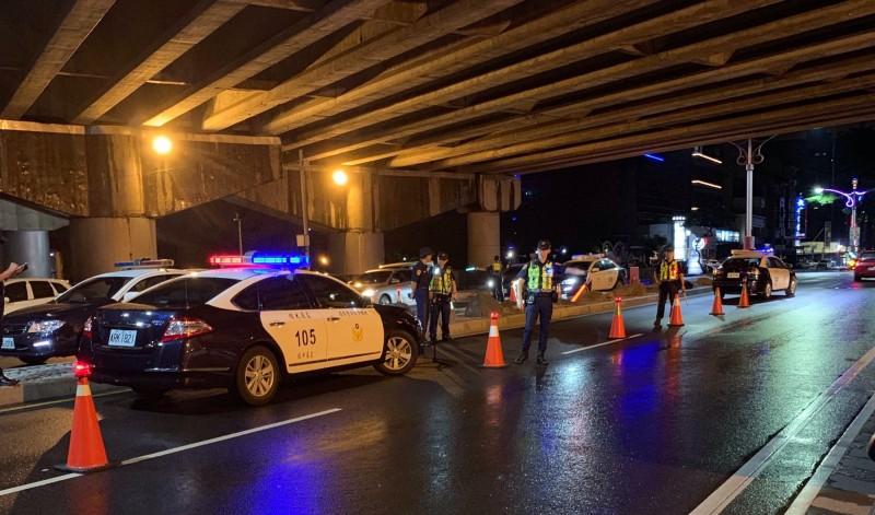 桃園市警方將於明天起至10日止,在全市交通往來要道及易肇事路口(段)執行交通大執法,以有效防範交通事故並提升見警率。(記者魏瑾筠翻攝)
