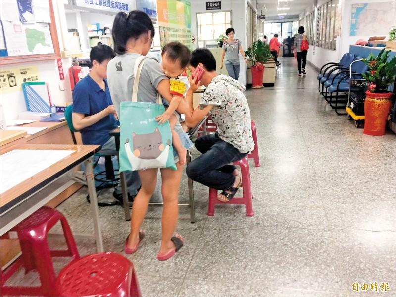 雲林縣單身青年、婚育家庭租金補貼今天起在縣府建設處受理申請。圖為模擬畫面。(記者林國賢攝)
