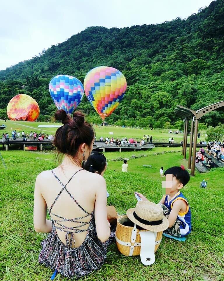 朱姓辣媽經常在臉書分享和小孩出遊的生活照。(圖取材朱姓辣媽臉書)
