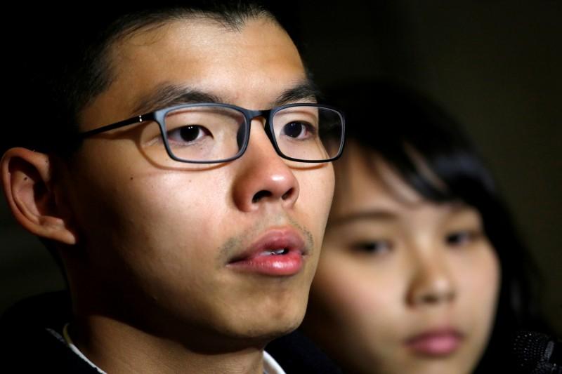 香港眾志秘書長黃之鋒今(3日)早抵達桃園機場,坦言目前香港所面臨到的白色恐怖是非常嚴重和可怕的。(路透)