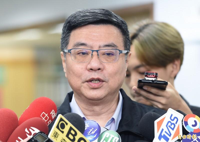 民進黨主席卓榮泰今於臉書發文批評台北市長柯文哲,説「討厭外省人」的人,請不要自稱是「綠營」的,我們承擔不起!(記者廖振輝攝)