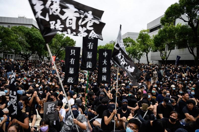 香港行政特首林鄭月娥4日宣布將撤回送中條例,但港民認為一切太晚,並不領情。(法新社資料照)