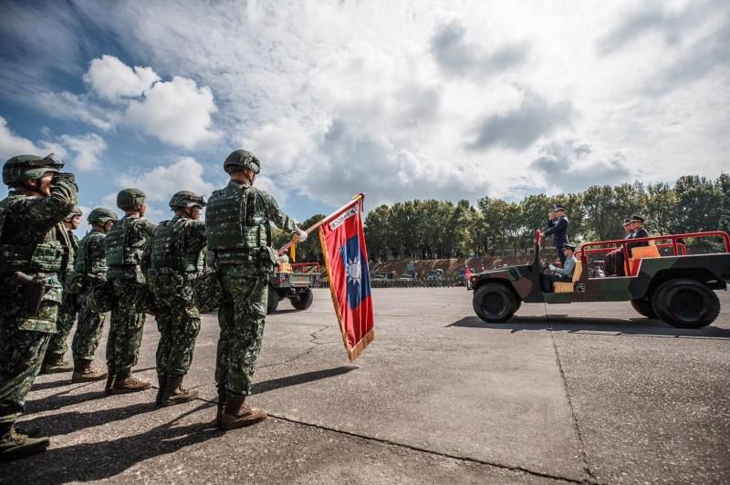 國軍首支「聯合兵種營」今天在陸軍裝甲586旅正式成立。(軍聞社)