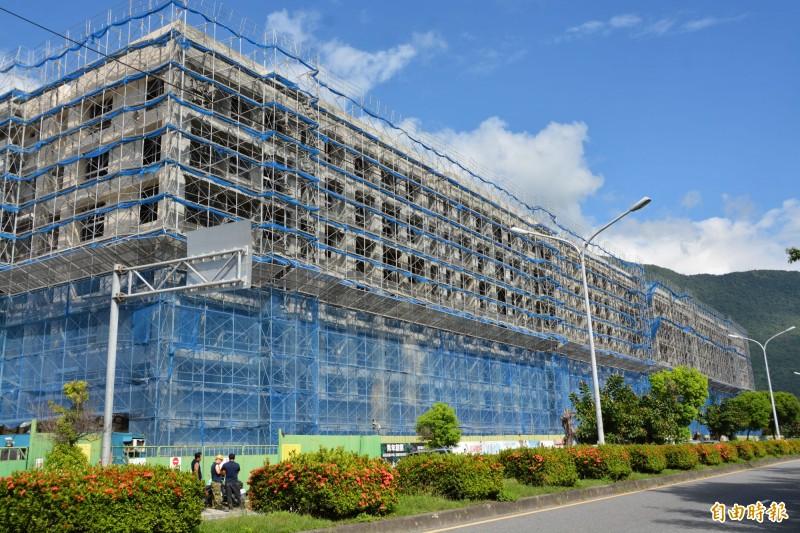 花蓮青年住宅9月9日起2次開賣,240戶待售,符合資格者均能提出申請。 (記者王峻祺攝)