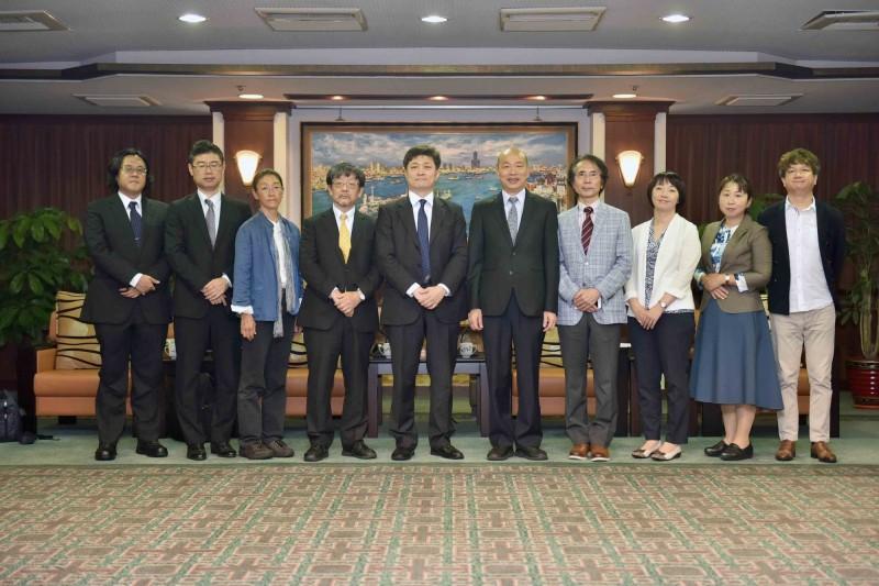 高雄市長韓國瑜昨接見日本學者,又引發軒然大波。(記者葛祐豪翻攝)