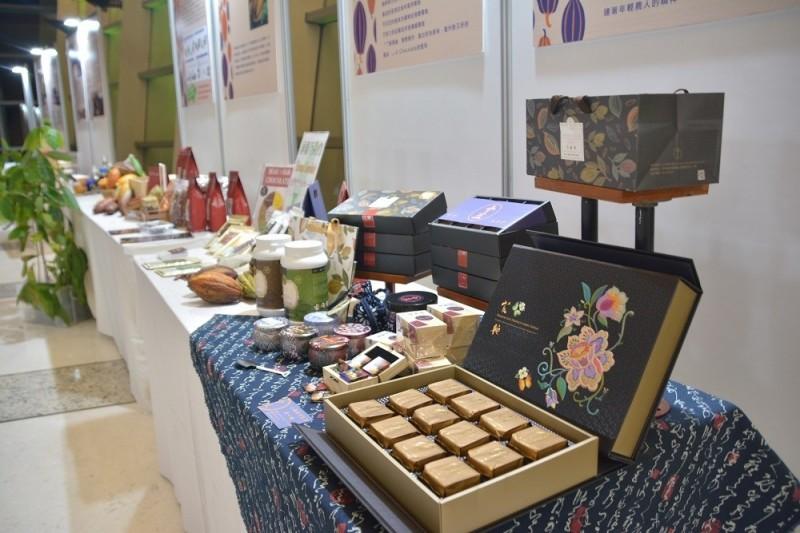 屏東爭取世界巧克力大獎亞太區競賽在屏東舉行,優質巧克力齊聚一堂。(屏東縣政府提供)