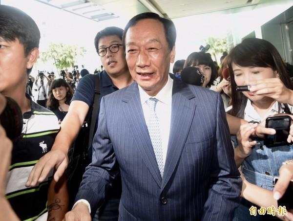 國民黨初選失利後,郭台銘今天向日媒首度表態,他正在準備參選總統,但還未做出最終決定。(資料照,記者簡榮豐攝)