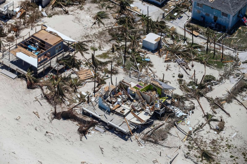 巴哈馬部份城市遭洪水淹沒。(法新社)