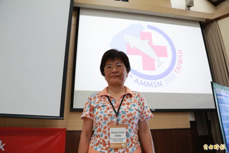 中山大學海洋科學系主任陳孟仙認為,需以流行病學精神,追蹤擱淺鯨豚訊息。(記者黃旭磊攝)