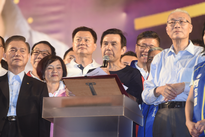 總統馬英九昨天出席國民黨總統參選人韓國瑜新北造勢場,致詞時因台下民眾鼓噪,導致談話被中斷,王金平辦公室今表示,王金平去年在台上遇到類似情形,並不以為意,但他能理解馬前總統的心情。(資料照)