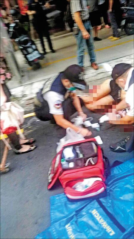 少女被送醫急救。 (記者黃良傑翻攝)
