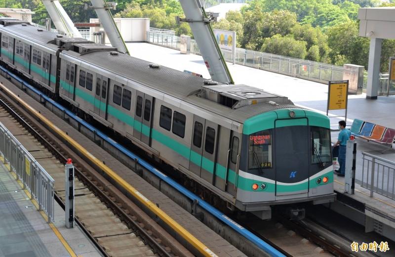 蘇貞昌宣示全力協助高雄捷運紅線延伸至林園,更可延伸至屏東潮州。(記者侯承旭攝)