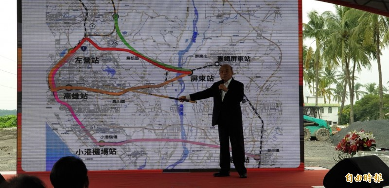蘇貞昌宣布高鐵南延屏東有4條路線考量。(記者葉永騫攝)