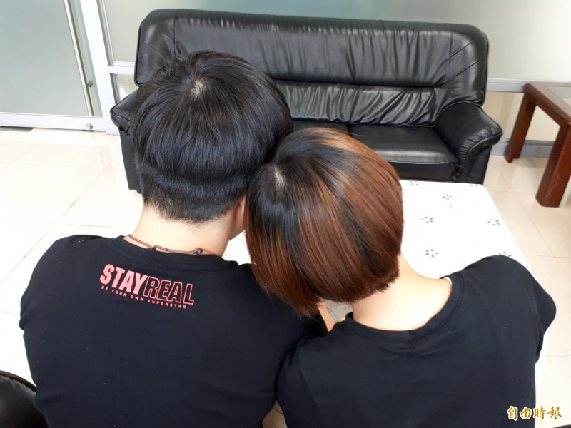 相愛的兩人應該被祝福!新竹市今年首對「女女」同志報名參加聯合婚禮,將告訴大家「我們結婚了」!更期許獲得大家公開的祝福。(記者洪美秀攝)