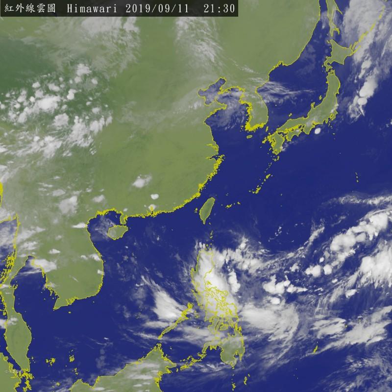 菲律賓東方海面上的熱帶性低氣壓有發展為今年第16號颱風「琵琶」的可能。(圖擷取自中央氣象局)