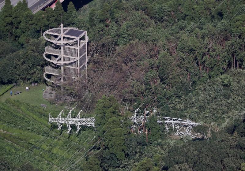 截自今早7點為止,千葉縣及神奈川縣仍有47萬3000多戶停電。(法新社)
