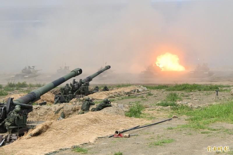 2年一度的國防報告書強調我國建軍成果,另也大篇幅揭露中國的軍事動態與戰略構想。圖為我國漢光演習畫面。(資料照)
