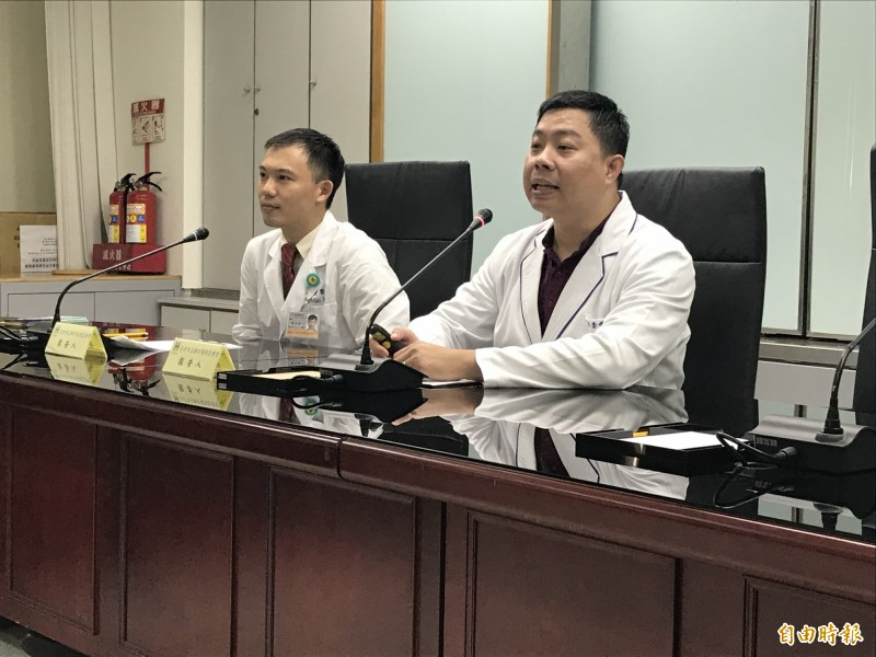 藥師李俊達提醒,如果有未服用完的鎮靜安眠藥,絕對不能贈送或販賣給他人。(記者蔡思培攝)