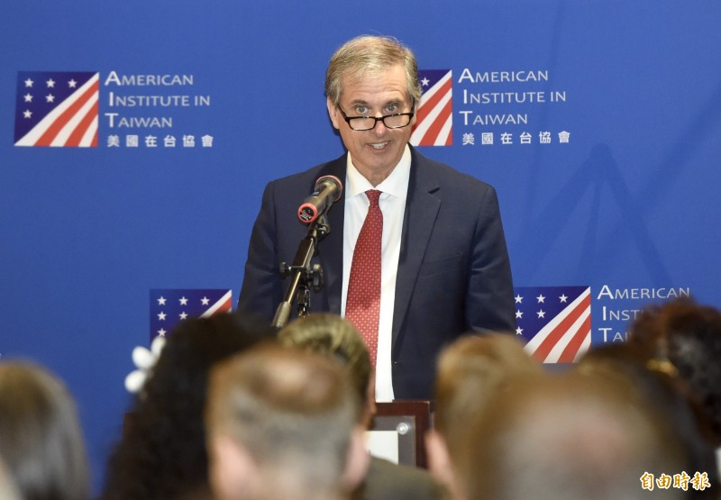 「美台印太區域民主治理諮商」會議12日在美國在台協會舉行,美國國務院副助卿巴斯比出席開幕致詞。(記者簡榮豐攝)