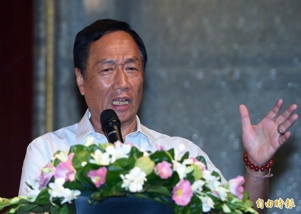 鴻海創辦人郭台銘今宣布退出國民黨,遭到藍營猛烈砲火攻擊。(資料照)