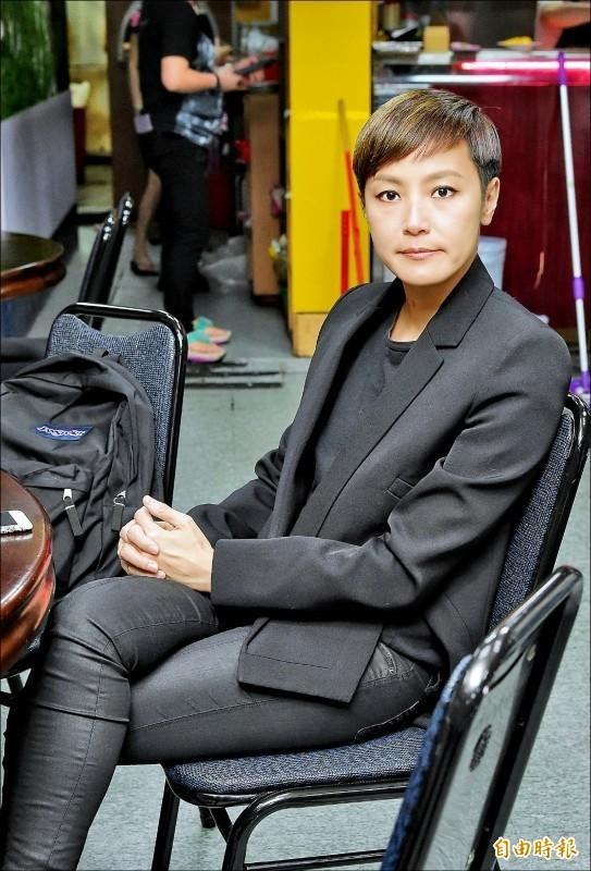香港歌手何韻詩凌晨抵台。(資料照)