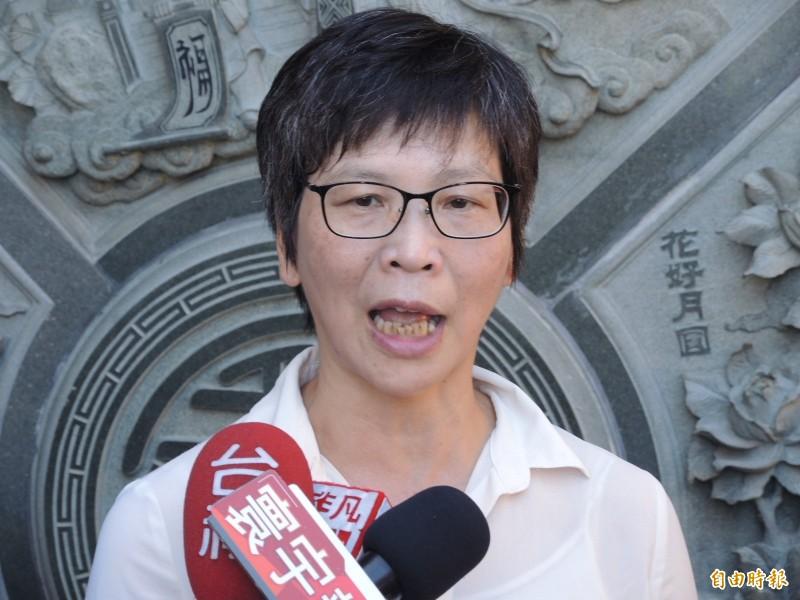 蔡壁如說她是公務員,會嚴守行政中立,利用假日出來幫忙。(記者翁聿煌攝)