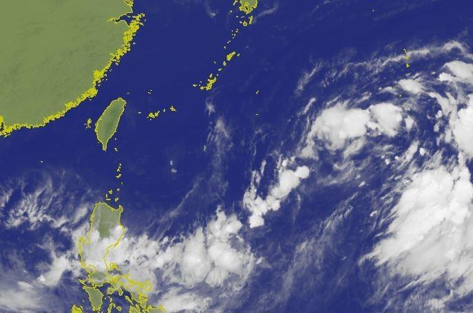 氣象局資料顯示,菲律賓東方海面上熱帶性低氣壓,正朝西北方移動。(圖擷取自中央氣象局)