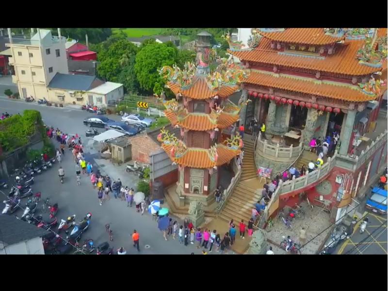 順澤宮出現排隊登記領帽人潮。(照片由阿峰 Amos提供)