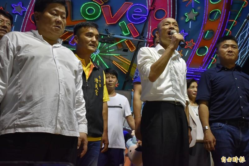 有「墊底市長」之稱的韓國瑜,今天傍晚宛如撿到槍,痛批民進黨吃香喝辣。(記者張瑞楨攝)