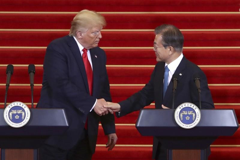 南韓總統文在寅24日將出席聯合國大會,並與美國總統川普進行高峰會談,外界則推測2人可能會針對北韓無核化談判工作集中討論。圖為資料照。(美聯社)