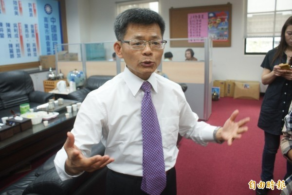 已退出國民黨的前高雄縣長楊秋興昨天說,如果鴻海集團創辦人郭台銘參選總統,他會為郭連署。(資料照)