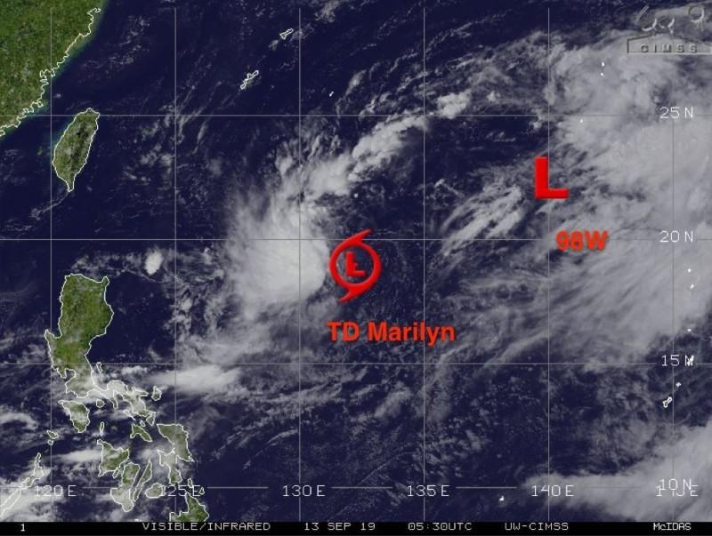 美氣象專家指出,98W預計可能在15日、16日移動到日本東南方海面。(圖擷取自Jason Nicholls推特)