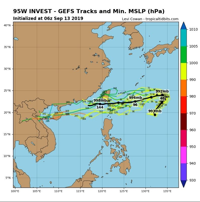 全球預報系統(GFS)路徑圖顯示,準颱風「琵琶」可能在週末後大幅度轉向西方前進。(圖擷取自tropicaltidbits)