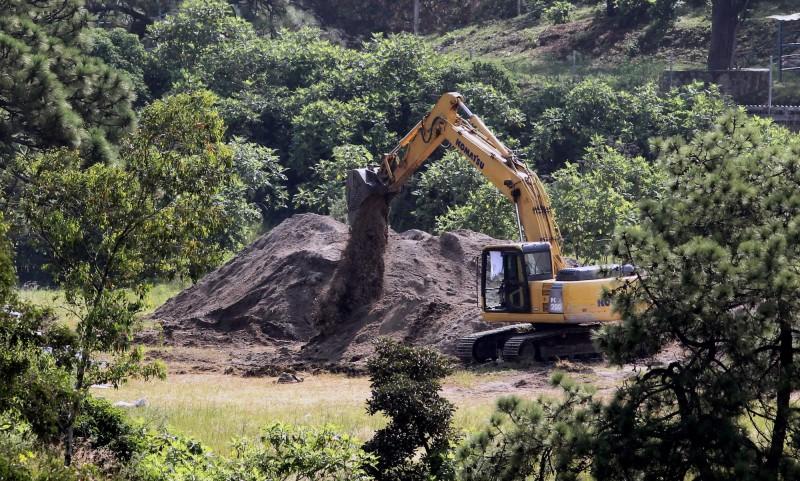 墨西哥哈利斯科州瓜達拉哈拉市外的一口井內,發現119袋人類屍塊。(法新社)