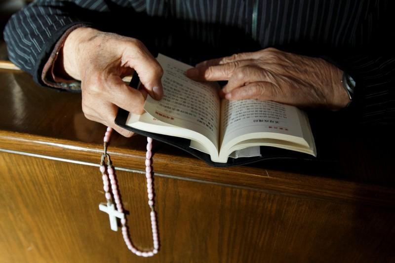 聖經遭竄改?中國狂清查宗教出版物  信徒買書遭監控