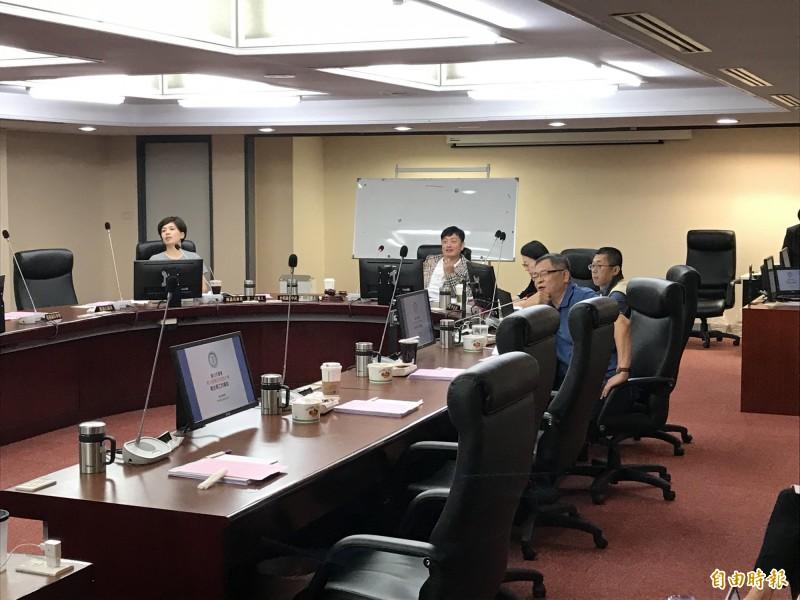 台北市議會今召開警政衛生委員會。(記者蔡思培攝)