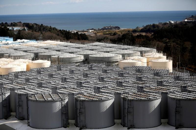 福島核災污染水目前暫貯於儲存罐,目前暫貯量已累積達115萬噸。(路透)
