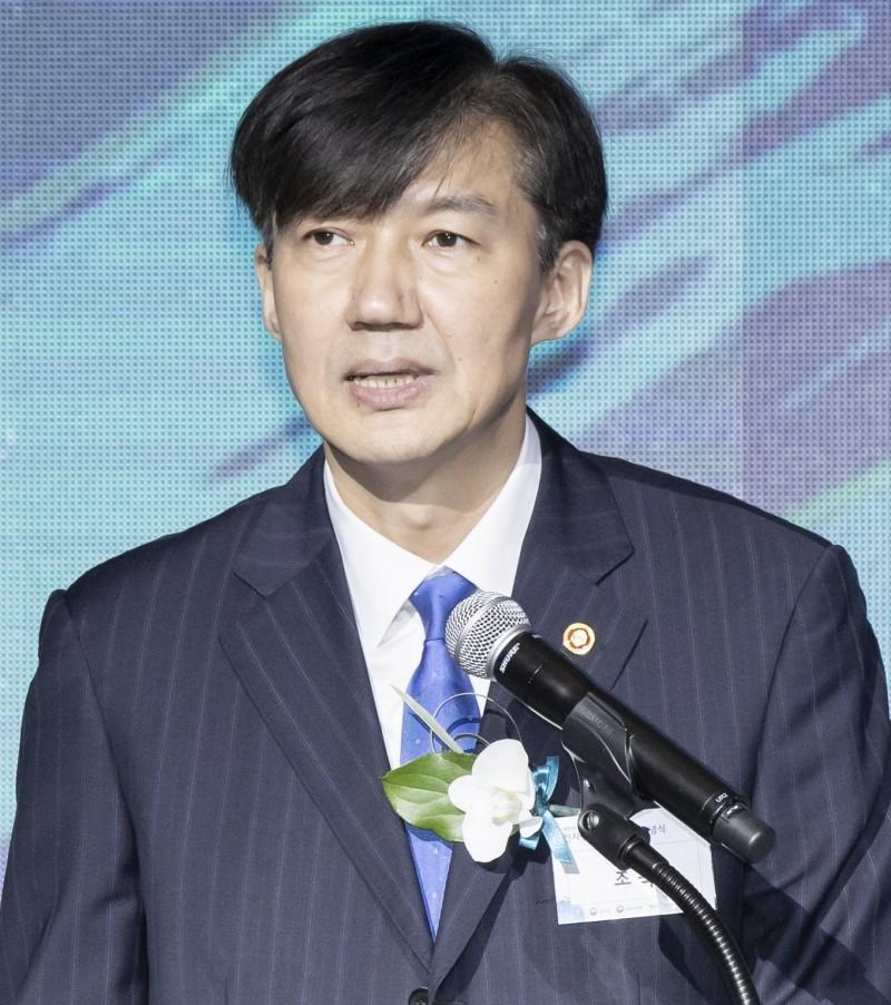 韓國醜聞部長四面楚歌! 親戚被捕、妻子遭起訴、女兒被傳喚