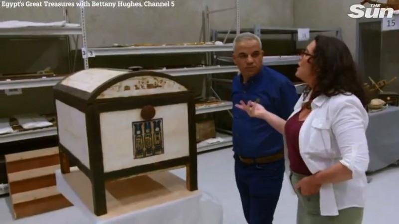 埃及3500年「儲物盒」出土   圖坦卡門妻子私人物品