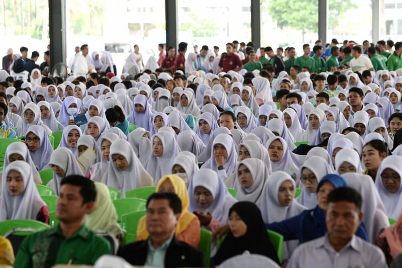 泰警向穆斯林學生要個資  總理為警辯護