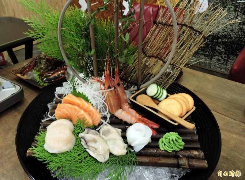 宮鶴的海鮮都是生食級食材。(記者張菁雅攝)