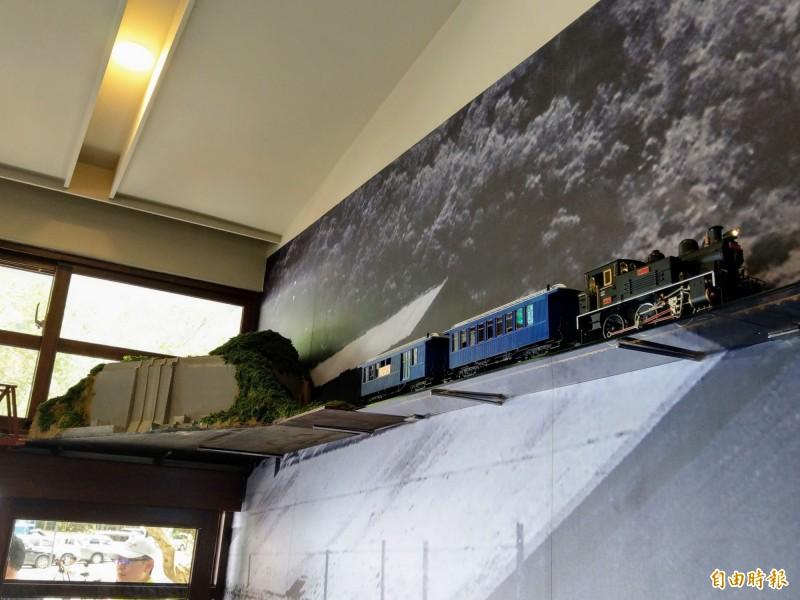 室內「模型小火車」讓遊客追著跑!車埕鐵道小學堂好看又好玩